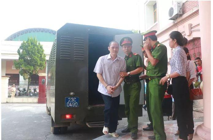 Gian lận thi cử Hà Giang: Triệu tập 191 phụ huynh và người liên quan đến tòa 3