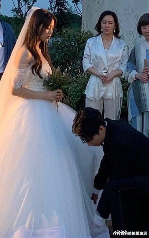 Lộ ảnh váy cưới trong Full House bản Trung, ăn đứt váy Song Hye Kyo 2