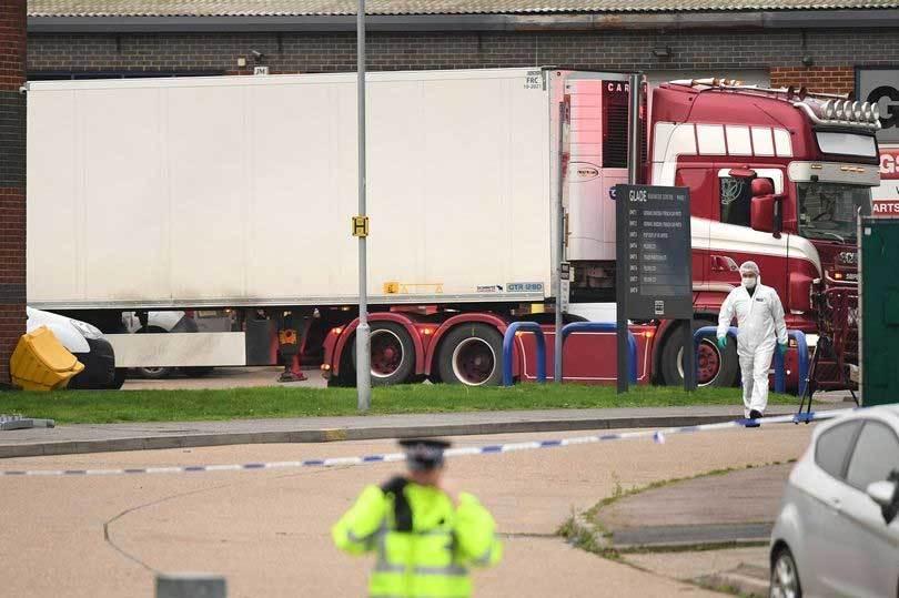 Đoàn của Bộ Công an sang Anh phối hợp xác minh 39 thi thể tử vong trên container 1