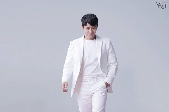 Tình cũ của Song Hye Kyo và nụ cười gây 'sát thương' người hâm mộ 1