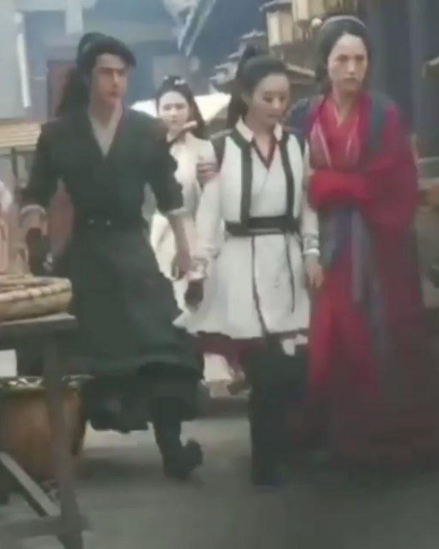 Lộ cảnh quay Triệu Lệ Dĩnh bị trọng thương trong Hữu Phỉ 1