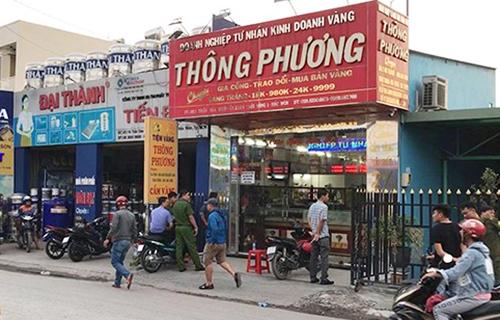 Hai kẻ nổ súng táo tợn cướp tiệm vàng tại Sài Gòn 1
