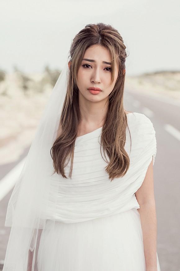 Đưa chuyện tình với Ngô Kiến Huy vào MV mới, Khổng Tú Quỳnh lập kỷ lục mới 1