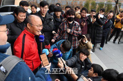 Báo Hàn giật mình với 'vũ khí' làm nên chiến thắng của thầy Park 2