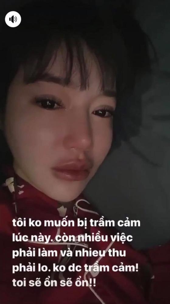 Hà Tăng 'chém đẹp' đàn em Elly Trần khi 'đụng hàng' 3