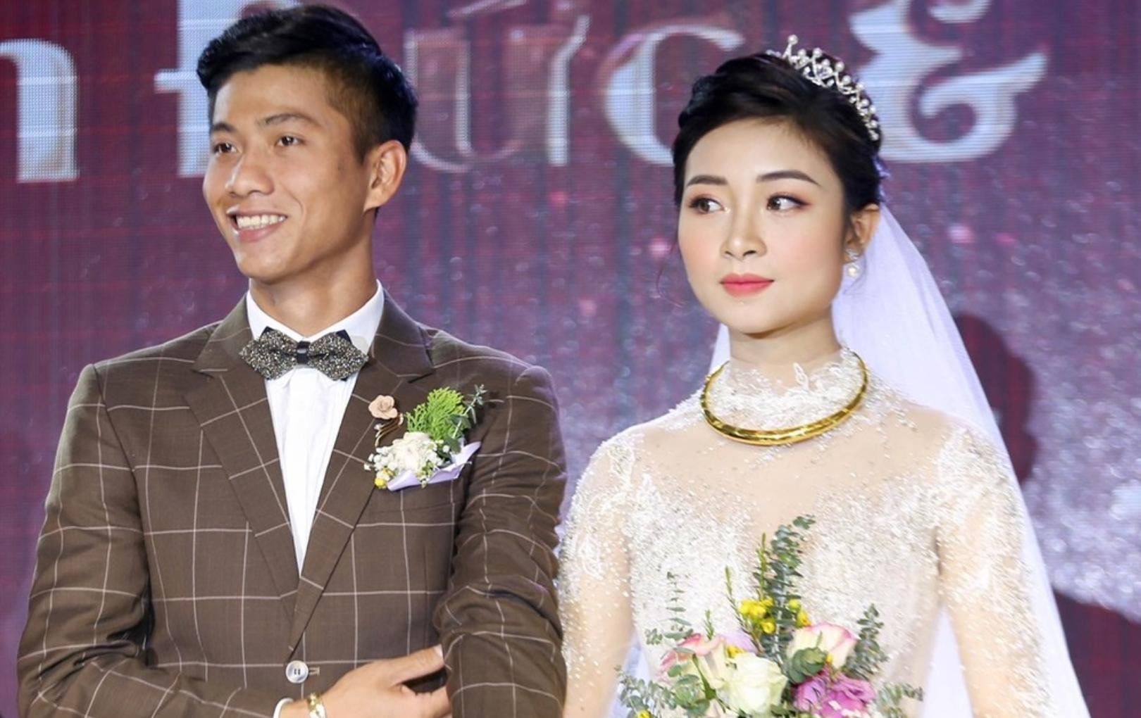 Phan Văn Đức chơi dân tình 'một vố ngã ngửa' ngay khi vừa cưới xong 3