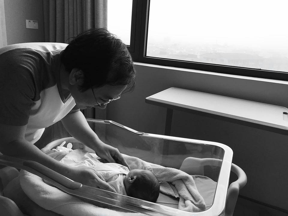 MC Phí Linh gây choáng về ngoại hình hậu sinh con 2 tháng 1