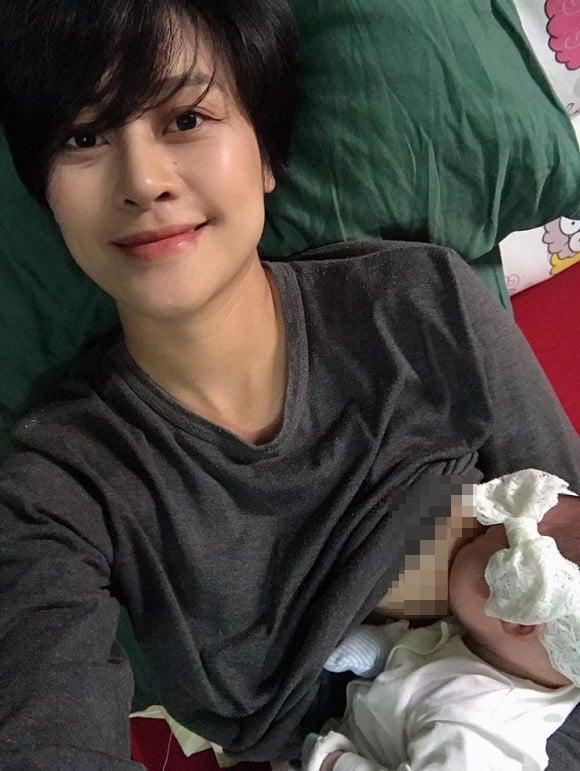 MC Phí Linh gây choáng về ngoại hình hậu sinh con 2 tháng 2