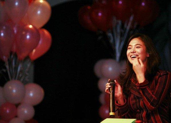 Song Hye Kyo gây 'sốt' với loạt ảnh 12 năm trước, nhan sắc không khác gì ngọc nữ 2