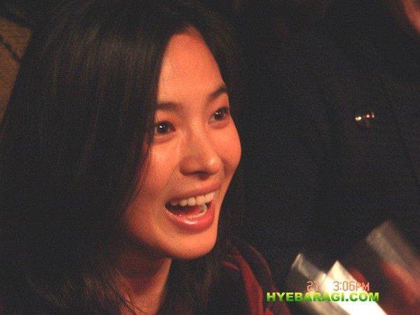 Song Hye Kyo gây 'sốt' với loạt ảnh 12 năm trước, nhan sắc không khác gì ngọc nữ 3