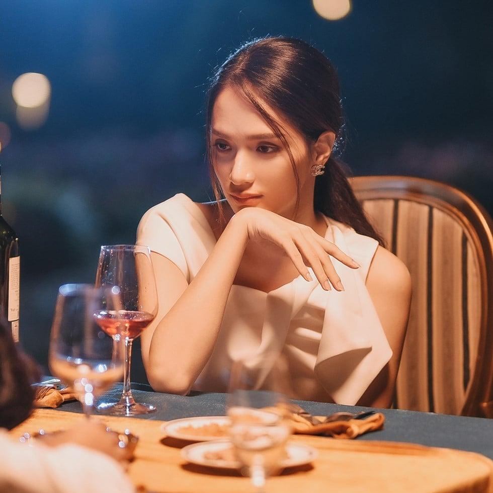 Hương Giang bị bạn thân 'bán đứng' sau khi MV ADODDA đạt mốc kỷ lục 2