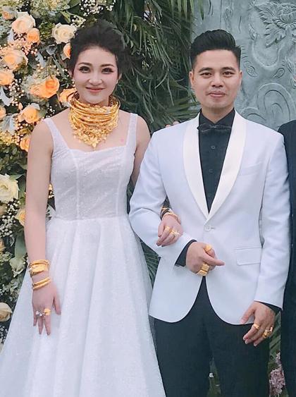 Chân dung quý tử nhà cô dâu đeo vàng trĩu cổ ở Nam Định khiến dân tình tròn mắt 2