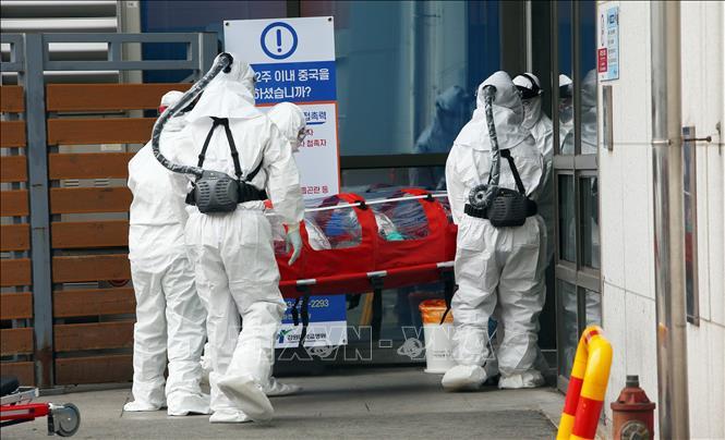 Dịch Covid-19: Lan ra 42 nước, ca nhiễm nhiều hơn 'tâm dịch' Trung Quốc 1