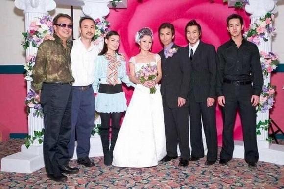 Lộ ảnh hiếm hoi đám cưới danh ca Mạnh Quỳnh 16 năm trước gây 'bão' 1