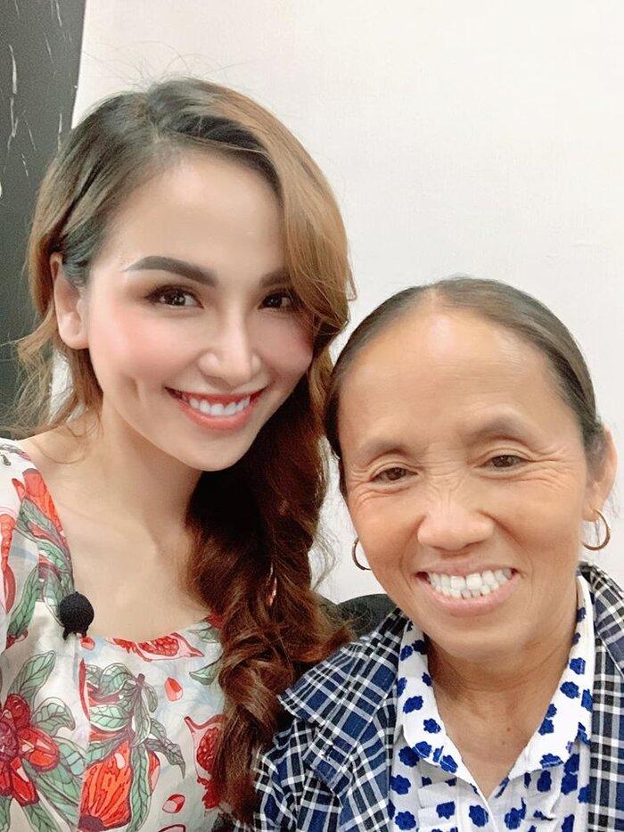 So kè nhan sắc với nàng hậu Diễm Hương, bà Tân Vlog lộ điều đáng mơ ước 3