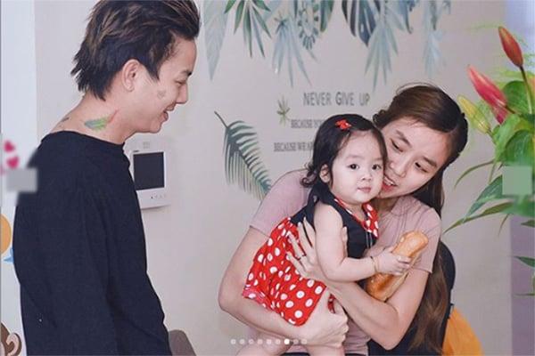 Vợ chồng con nuôi Hoài Linh đường ai nấy đi sau gần 1 thập kỷ gắn bó 1
