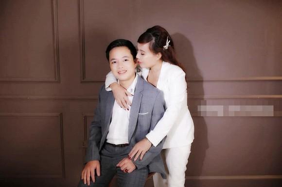 Cô dâu 62 tuổi ở Cao Bằng liên tục khoe ảnh tình tứ bất chấp chỉ trích về 'tần suất' khoe ảnh đến phát ngán 2
