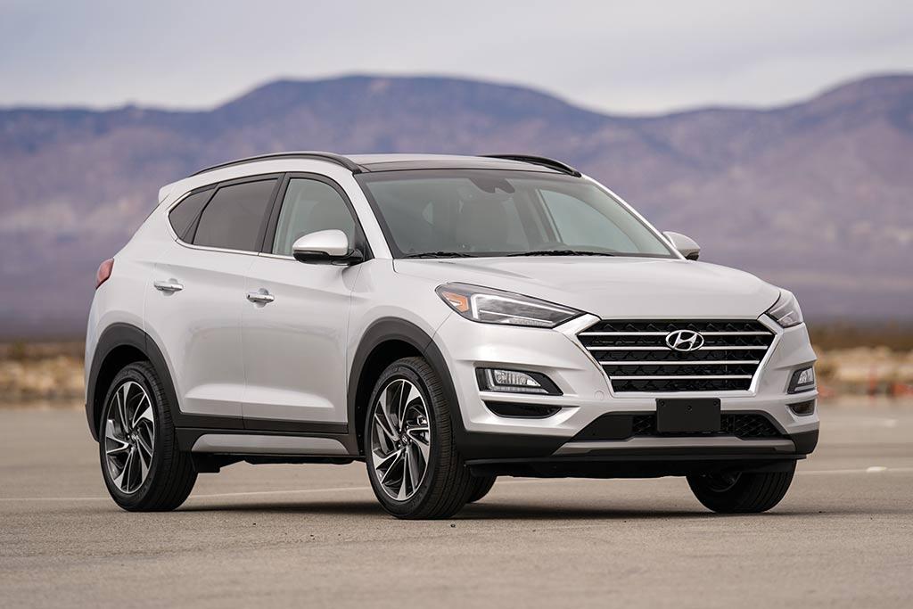 Hyundai đua nhau 'phá giá' giảm sâu đến 60 triệu đồng, dân tình sôi sục bỏ tiền ra sắm 3