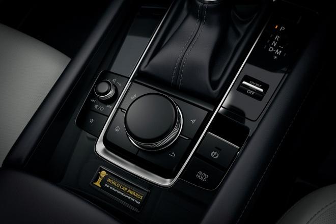 'Quái kiệt' Mazda 3 tái ngộ với diện mạo mới, Honda Civic run rẩy lo bị 'cướp ngôi' 2