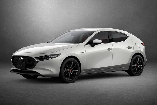 'Quái kiệt' Mazda 3 tái ngộ với diện mạo mới, Honda Civic run rẩy lo bị 'cướp ngôi' 3