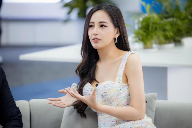 Mai Phuong Thuy به دلیل حس فاجعه بار مد 5 باعث گریه طرفداران می شود 5