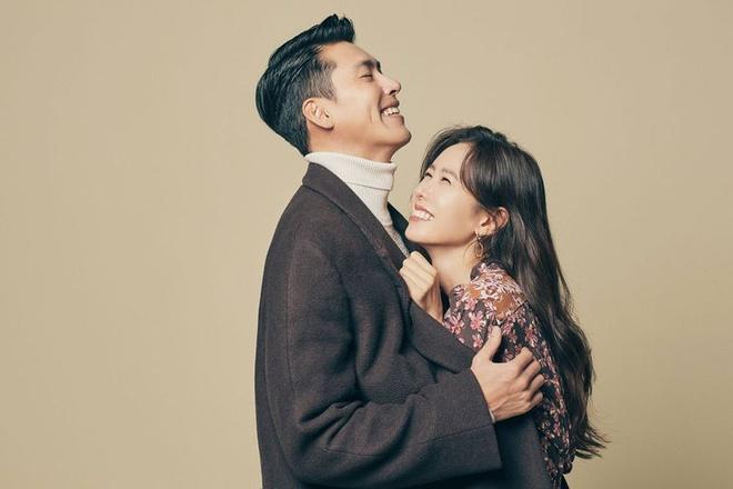 Hyun Bin và Son Ye Jin bị 'tóm sống' khoảnh khắc tình tứ hiếm hoi hậu công khai hẹn hò 6