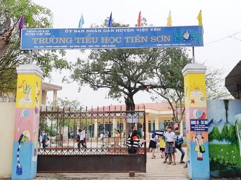 Thầy giáo bị tố dâm ô ở Bắc Giang thừa nhận có hành vi không đúng mực với 1 số học sinh trong lúc say rượu 1