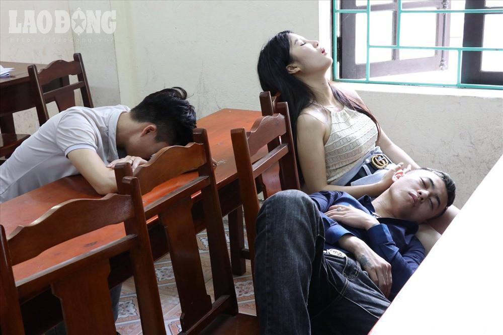 Đột kích 'thiên đường' ăn chơi ở Hưng Yên: Gần 70 đối tượng dương tính với ma tuý 1