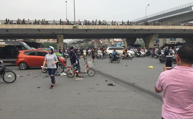 Tai nạn giao thông mới nhất ngày 9/4: Bị xe container cuốn vào gầm, 2 vợ chồng tử vong 4