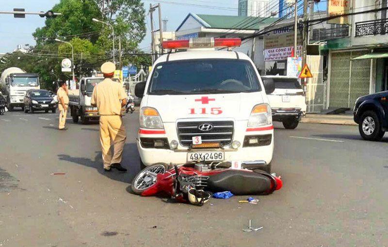 Tai nạn giao thông mới nhất ngày 9/4: Bị xe container cuốn vào gầm, 2 vợ chồng tử vong 3