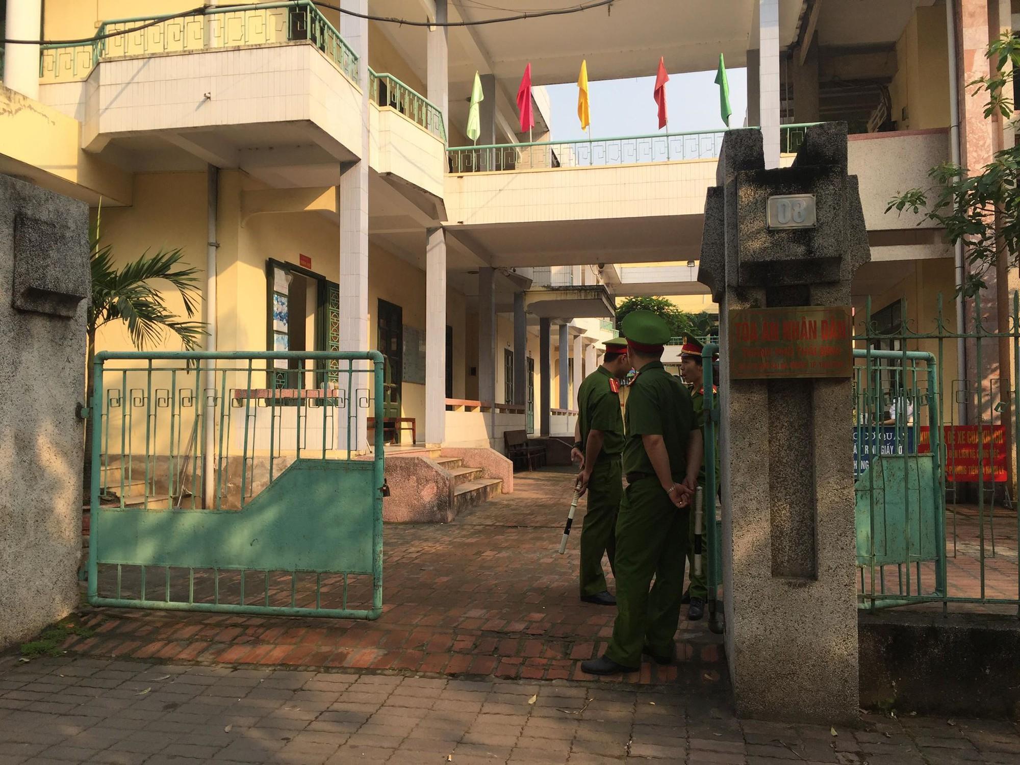 Đang xử kín cựu Thượng tá công an cùng bạn dâm ô, giao cấu với nữ sinh lớp 9 ở Thái Bình 3