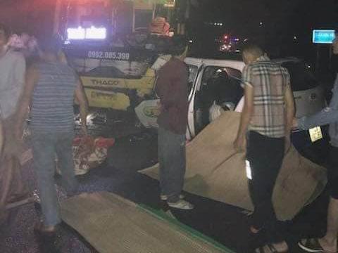Quảng Ninh: Taxi đấu đầu xe khách trong đêm, 3 nạn nhân thiệt mạng 2