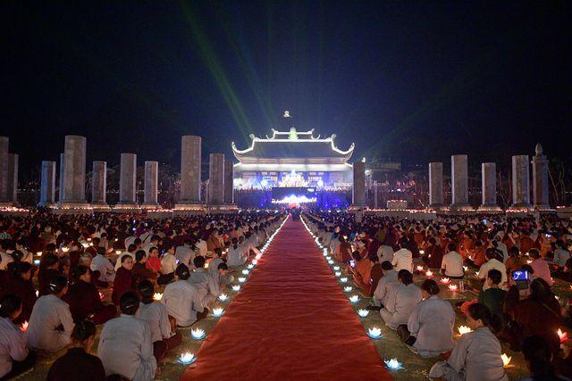 Lễ hội hoa đăng cầu cho thế giới hòa bình tại Đại lễ Phật Đản-Vesak 2019 2