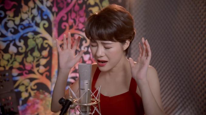 Uyên của 'Về nhà đi con' khoe giọng hát cực chất với bản cover 'Độ ta không độ nàng' 1
