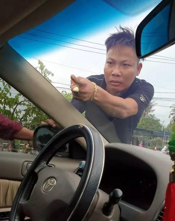 Vụ giang hồ vây xe công an ở Đồng Nai: Bắt thêm nghi phạm liên quan 1