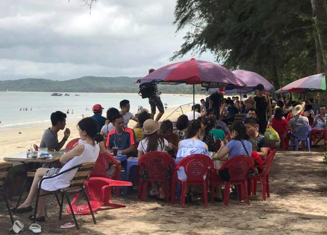 Quảng Ninh cấm tàu do bão số 2, gần 2 nghìn người 'kẹt' ở Cô Tô 2