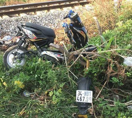 Băng qua đường sắt, 2 nữ sinh vừa đỗ lớp 10 tử vong thương tâm 2