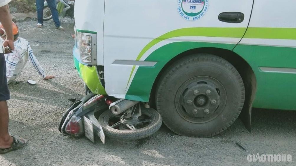 Tin tức tai nạn giao thông ngày 1/8: Xe khách lao vào nhà dân, tài xế nhập viện cấp cứu 2