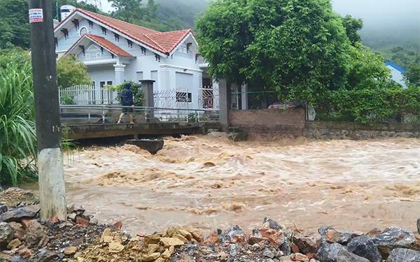 Thiệt hại do bão số 3: Ít nhất 2 người chết, 13 người mất tích 5