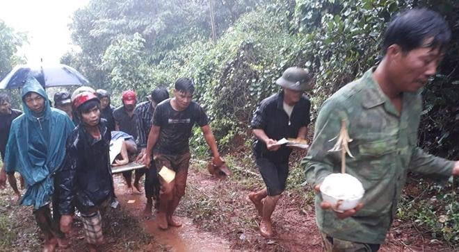 Cả gia đình bị sạt lở vùi lấp ở Đắk Nông: Tìm thấy 3 thi thể nạn nhân 2