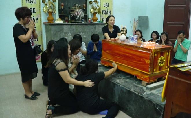 Vụ bé trai tử vong vì bị bỏ quên trên xe: Bác sĩ nhận định nguyên nhân  2