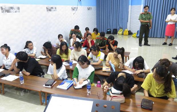 Độc chiêu dụ dỗ học viên của nhóm tà đạo 'Tân Thiên Địa' núp bóng trung tâm ngoại ngữ 1