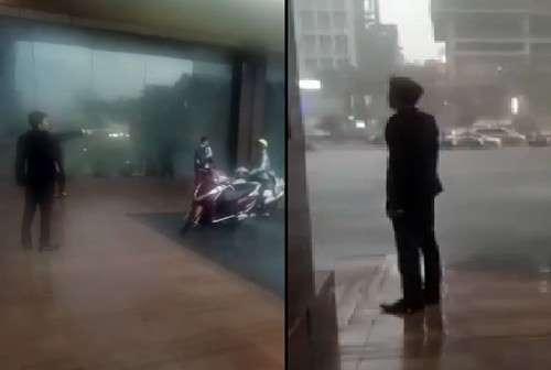 Thực hư clip bảo vệ khách sạn 5 sao ở Hà Nội xua đuổi người dân trú mưa 1