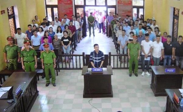 Đối tượng chuyên bắt lỗi CSGT Trần Đình Sang bị xử 2 năm tù giam  1