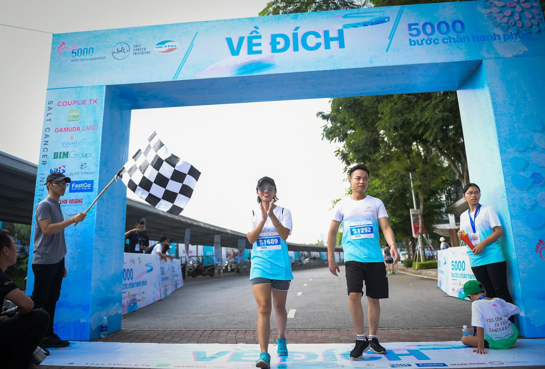 Hàng nghìn người dân tham gia đi bộ vì bệnh nhân ung thư Việt Nam 15