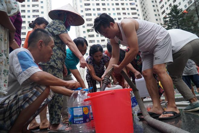Chủ tịch Hà Nội Nguyễn Đức Chung yêu cầu xử lý nghiêm vụ nước sông Đà bốc mùi 3