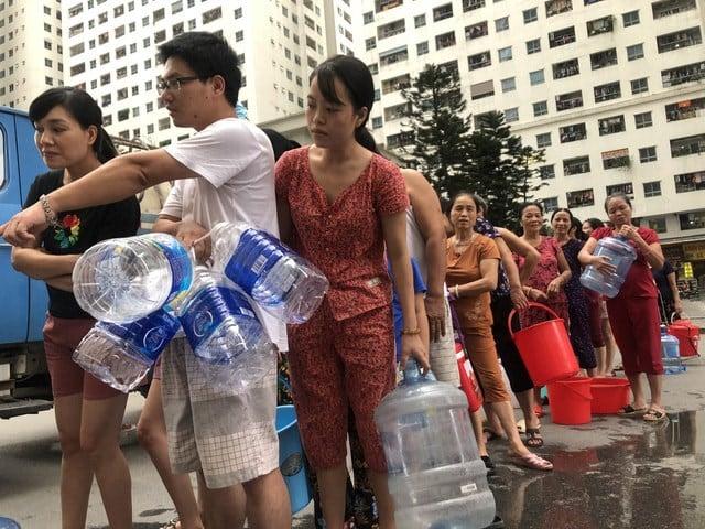 Người dân kêu cứu, yêu cầu đền bù thiệt hại sau vụ nước sạch nhiễm dầu 1