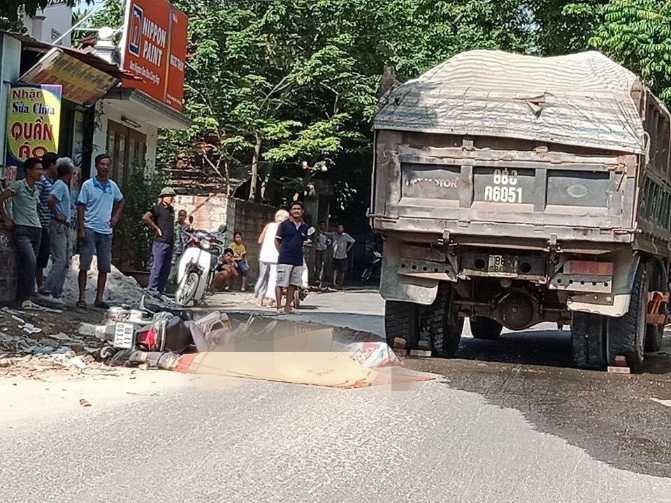 Vĩnh Phúc: Va chạm với xe ô tô, nữ hiệu trưởng và chồng tử vong tại chỗ 1