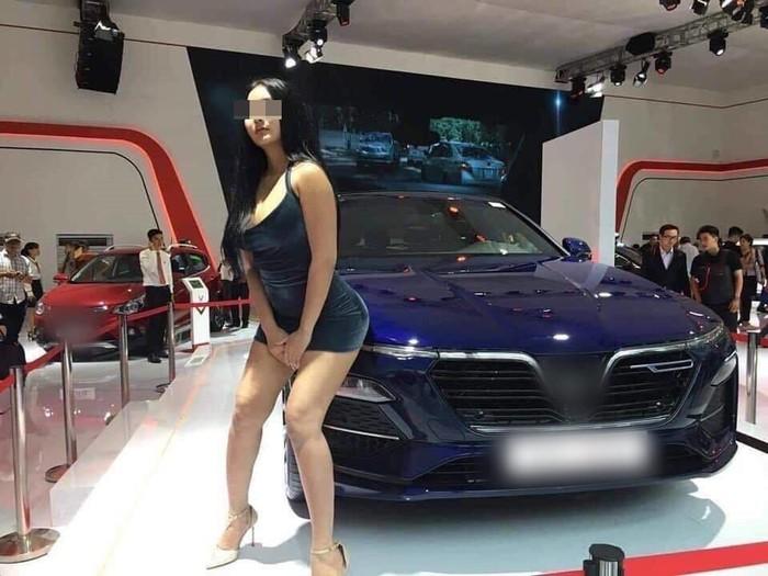 'Can Lộ Lộ phiên bản Việt' gây bức xúc ở Vietnam Motor Show 2019  4
