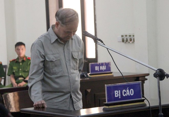 Xâm hại tình dục 9 nam sinh, cựu hiệu trưởng ở Phú Thọ lĩnh 8 năm tù 1